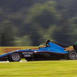Lorandi ottavo col brivido nella seconda gara GP3