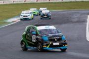 smart EQ fortwo e-cup  Carboni show sul bagnato e vittoria in Gara 2 a Vallelunga