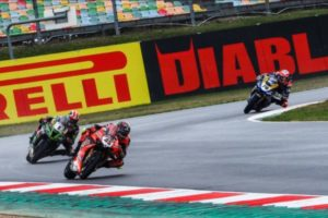 Redding victorious in Race 2 to keep title chances alive, Rea finishes fourth