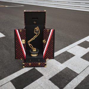 """« La Victoire voyage avec Louis Vuitton » """"Victory travels in Louis Vuitton"""""""
